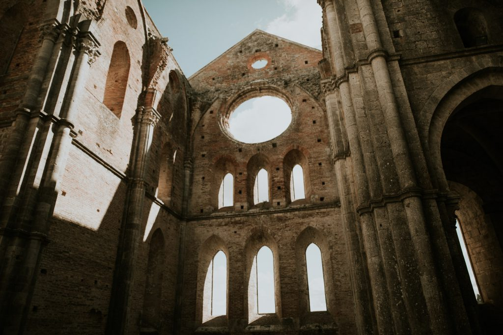 Abbey_of_San_Galgano_Tuscany_Italian_Wedding_Photographer-10