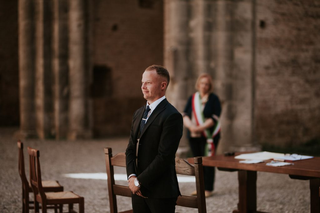Abbey_of_San_Galgano_Tuscany_Italian_Wedding_Photographer-11