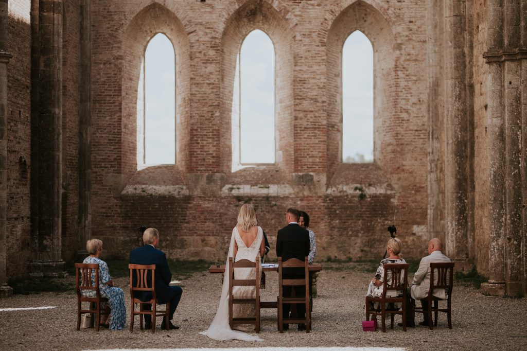 Abbey_of_San_Galgano_Tuscany_Italian_Wedding_Photographer-12