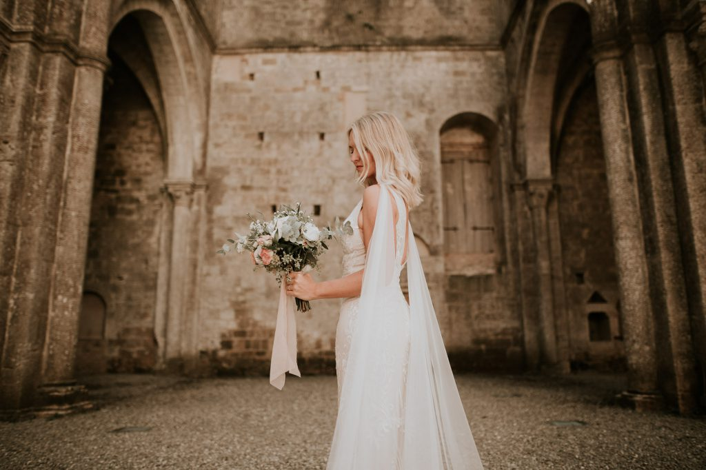 Abbey_of_San_Galgano_Tuscany_Italian_Wedding_Photographer-17
